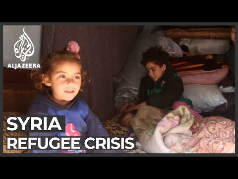 Syrians trapped between fighting and closed border